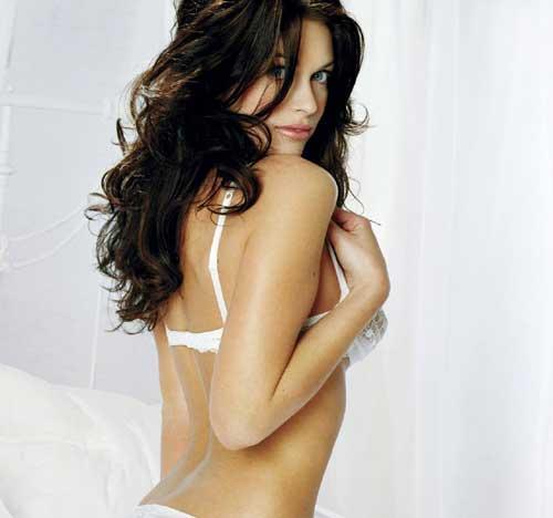 Kim Smith Sexy Back Expose Photo Shoot