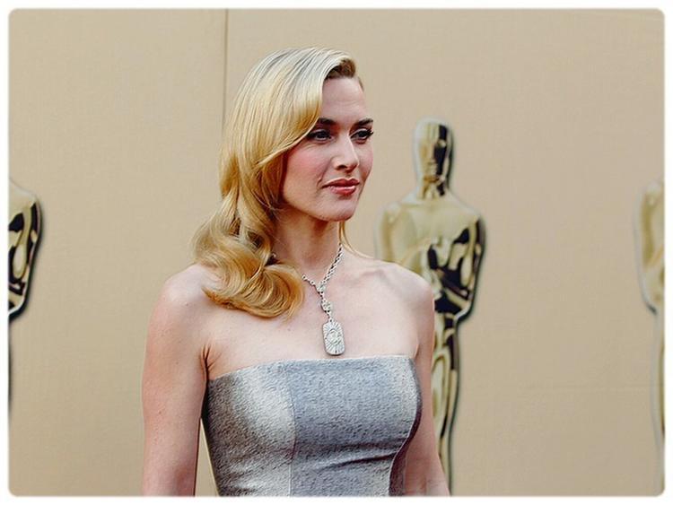 Kate Winslet Sleeveless Dress Pics