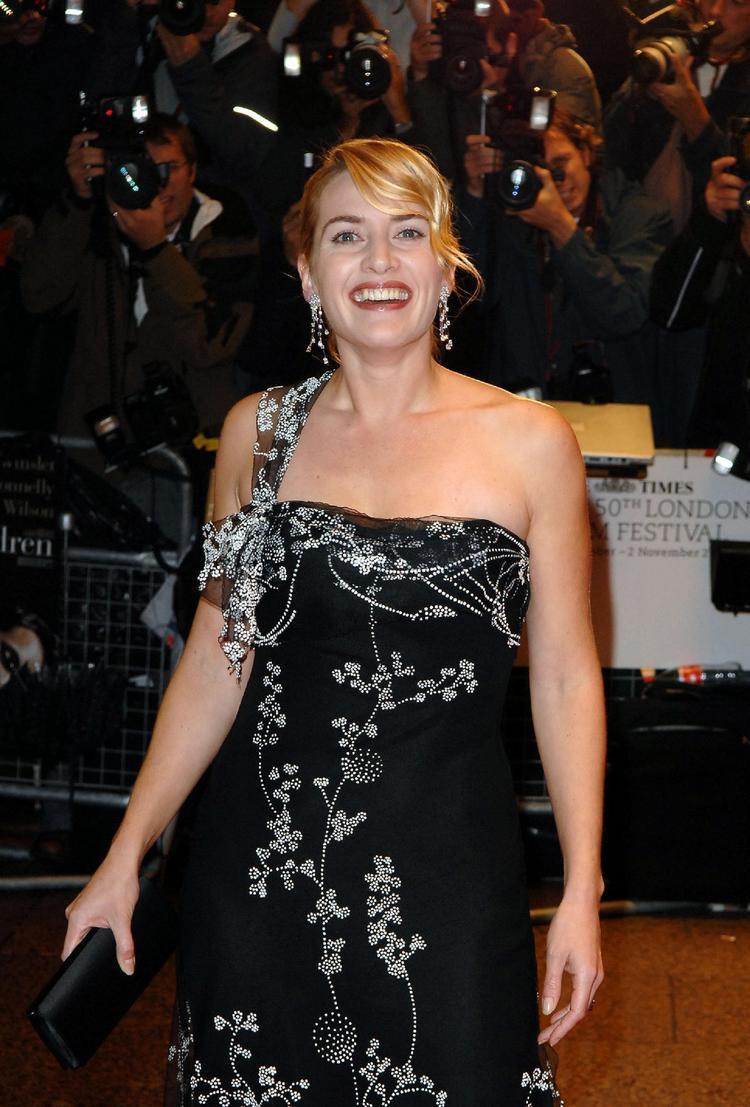 Kate Winslet Black Dress Public Photo