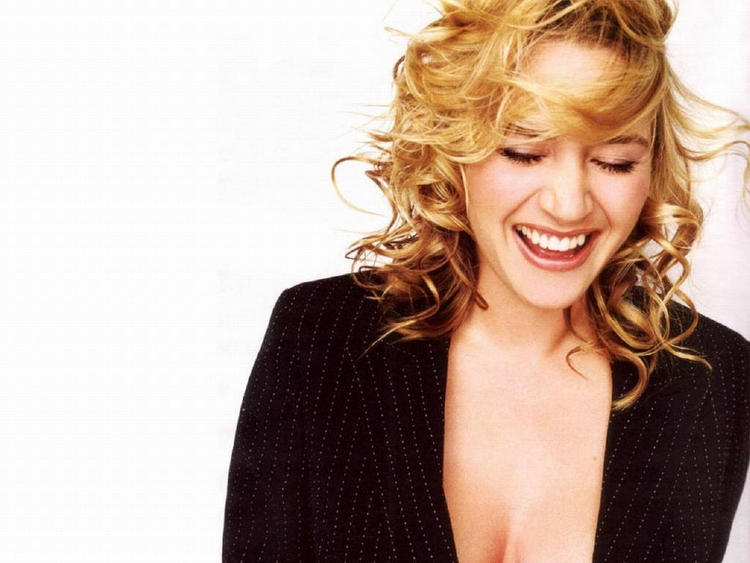 Kate Winslet Sizzling Picture