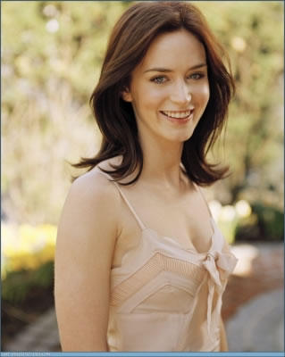 Emily Blunt Cute Stunning Photo
