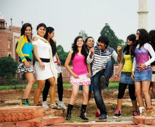 Mirapakaya Ravi Teja Movie Cute Pics