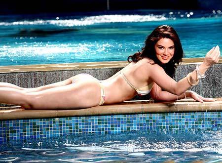 Urvashi Sharma Bikini Hot Wallpaper