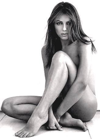 Elizabeth Hurley Nude Still