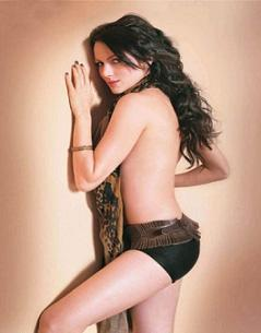 Yana Gupta Topless Dress Wallpaper