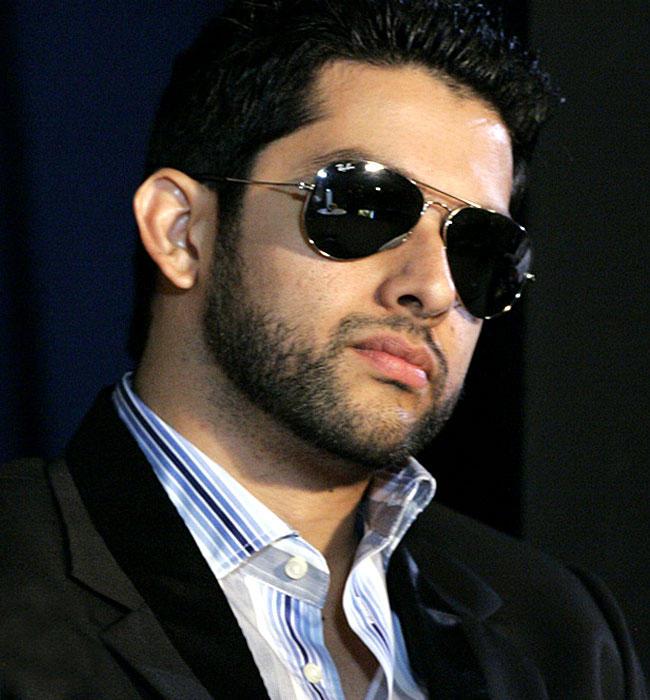 Aftab Shivdasani Hot Look