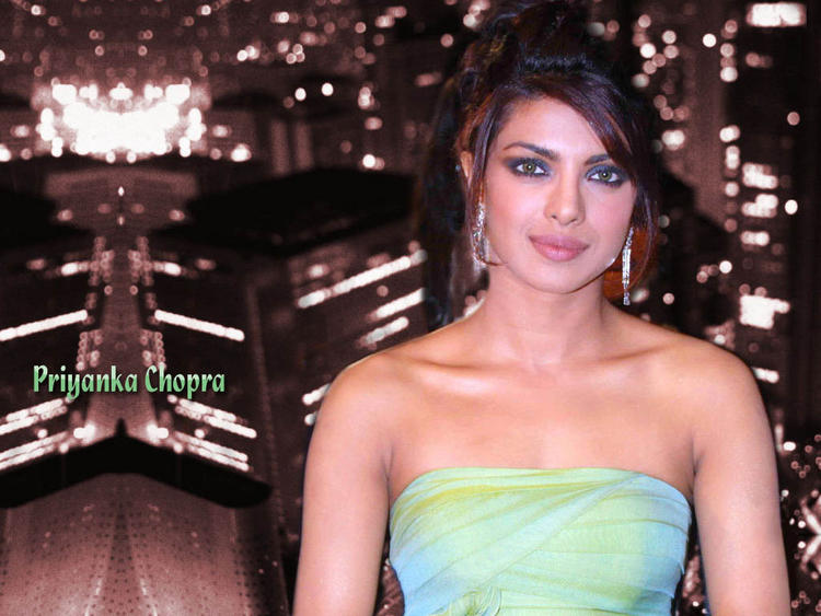 Bolly Hot Beauty Priyanka Chopra Wallpaper