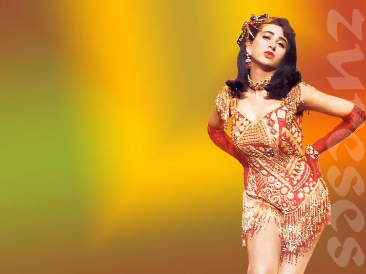 Karishma Kapoor Hot Sexy Wallpaper