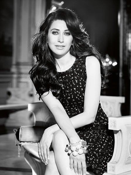 Karishma Kapoor Black Dress Sexy Wallpaper