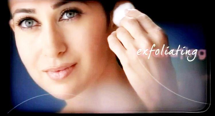 Karishma Kapoor Glory Skin Wallpaper
