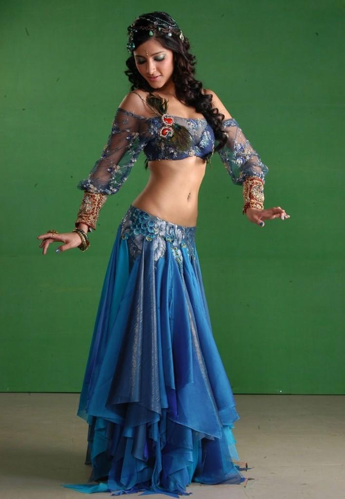 Shruti Hassan Sexy Exposing Dance