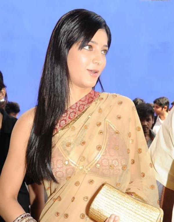 Shruti Hassan Glamour Still