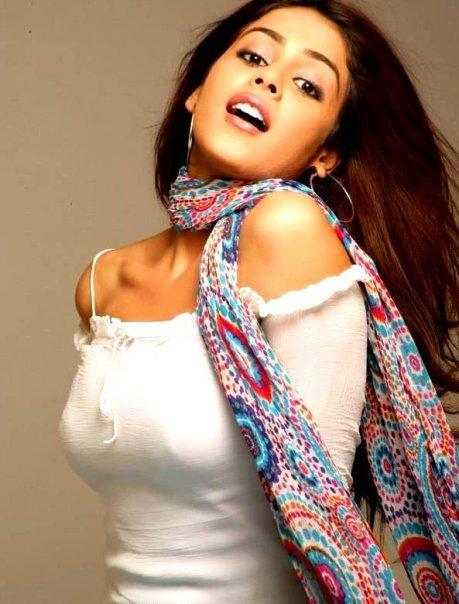 Genelia D'souza Hottest Wallpaper