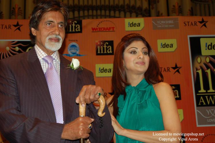 Amitabh Bachchan and Shilpa Shetty at IIFA
