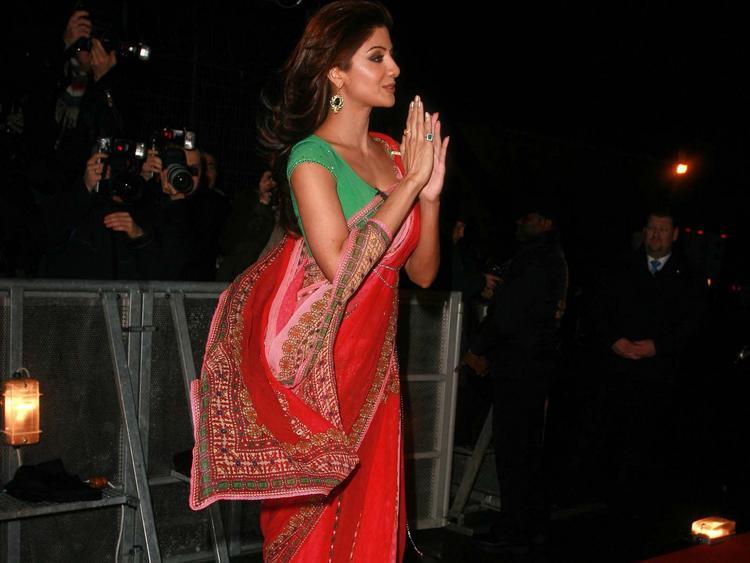 Shilpa Shetty In Red Saree Public Photo