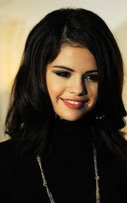 Selena Gomez out at the London Eye