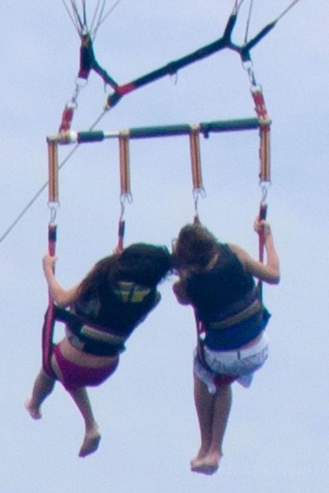 Selena Gomez Kissing Justin