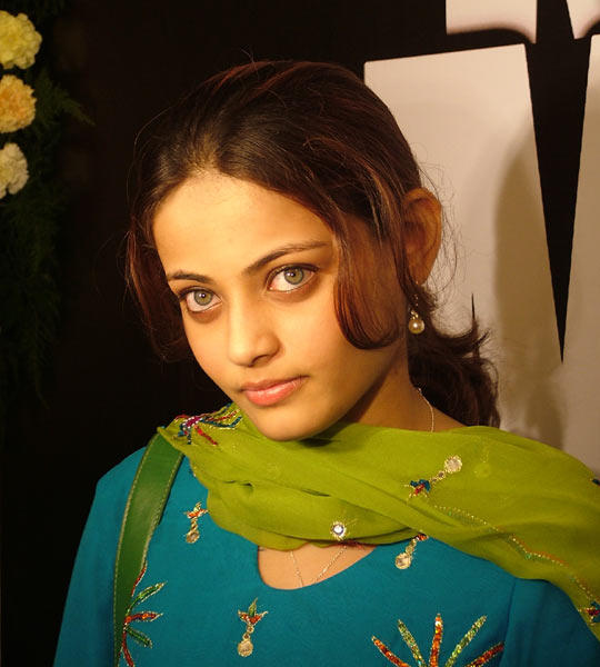 Sizzling Sneha Ullal Images