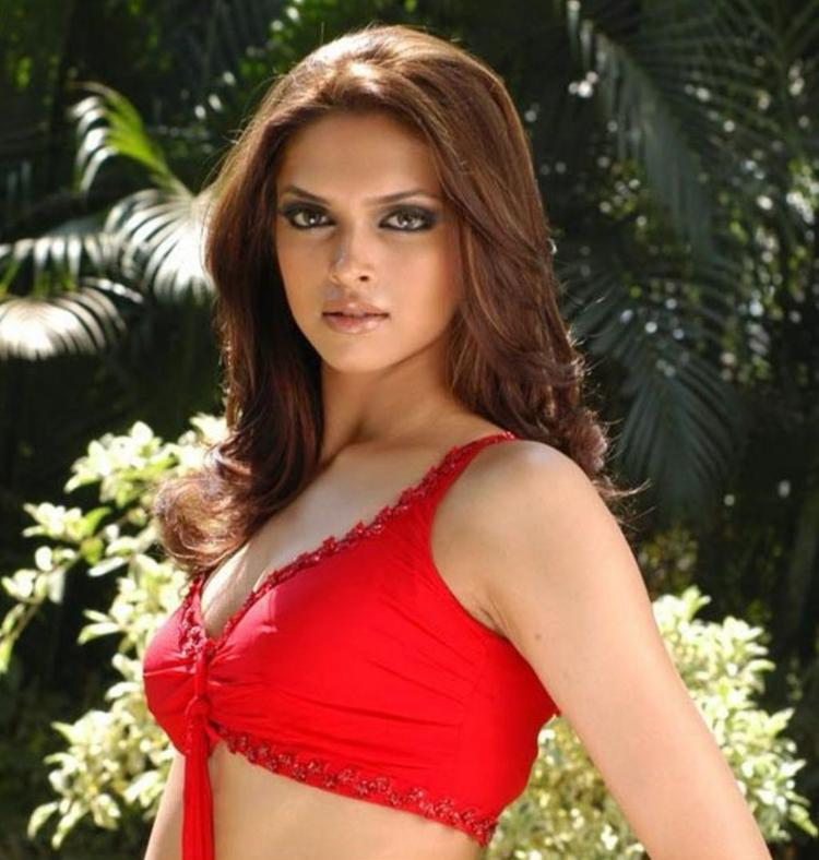 Deepika Padukone Red Bikini Hot Sizzling Wallpaper
