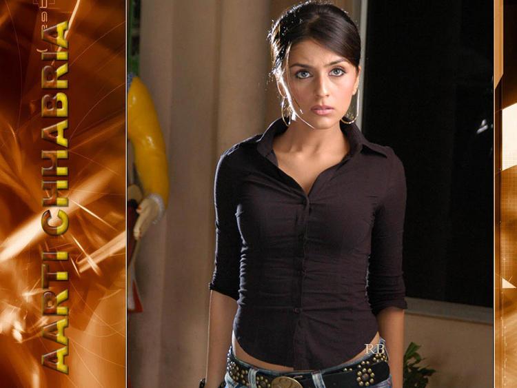 Aarti Chhabria Shocked Look Wallpaper
