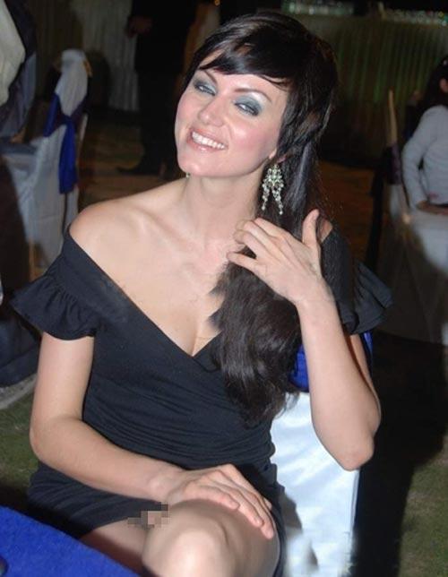 Yana Gupta sexy pics