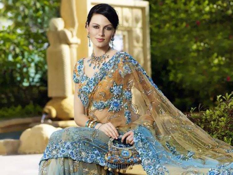 Yana Gupta in amazing saree