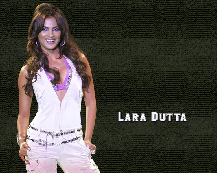 Lara Dutta Gorgeous Smile Wallpaper