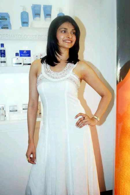 Prachi Desai Cute Pose Photo Shoot