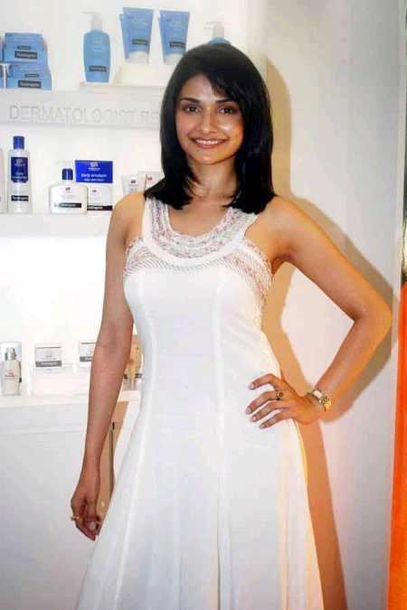 Prachi Desai White Dress Cute Makeup Still