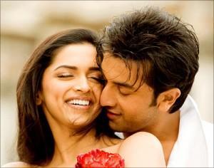 Ranbir kapoor and Reepika Padukone Romancing Film pic