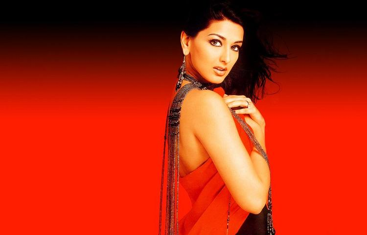 Sonali Bendre Sexiest Wallpaper
