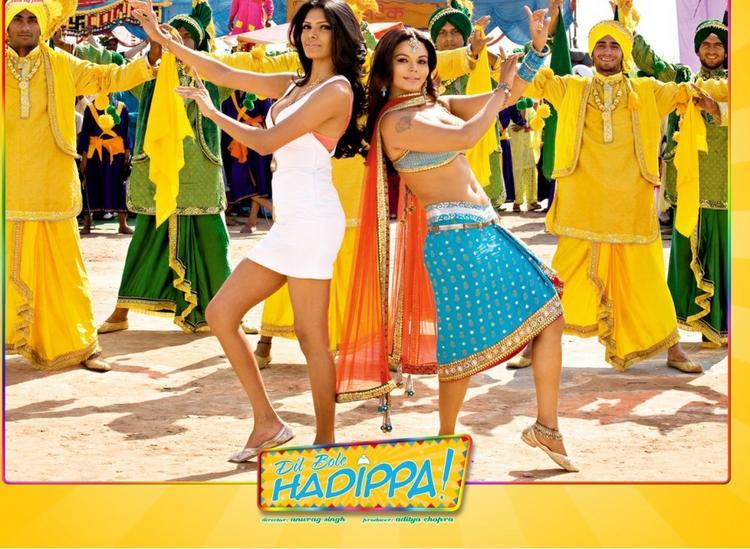 Sherlyn Chopra and Rakhi Sawant Dancing Wallpaper