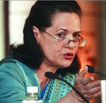 Sonia Gandhi In Green Color Saree Meeting Still