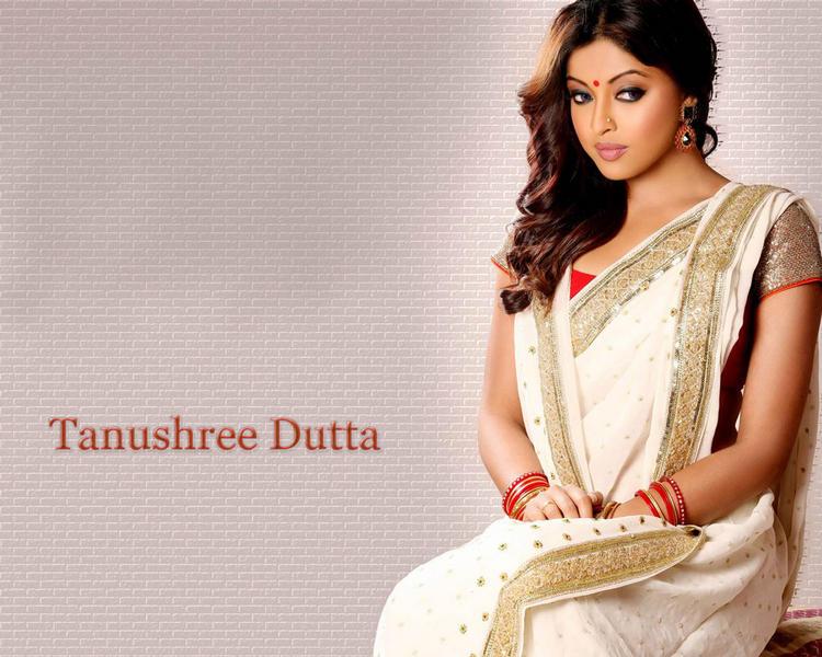 Tanushree Dutta Nice Look Wallpaper