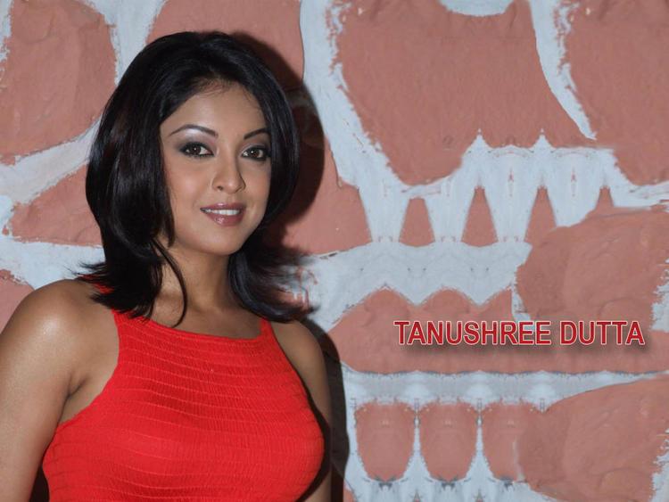 Item Girl Tanushree Dutta Wallpaper