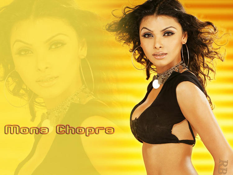 Sexy Actress Mona Chopra Wallpaper