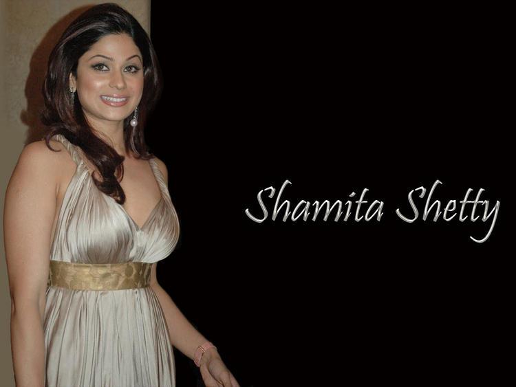 Glamourous Shamita Shetty Wallpaper