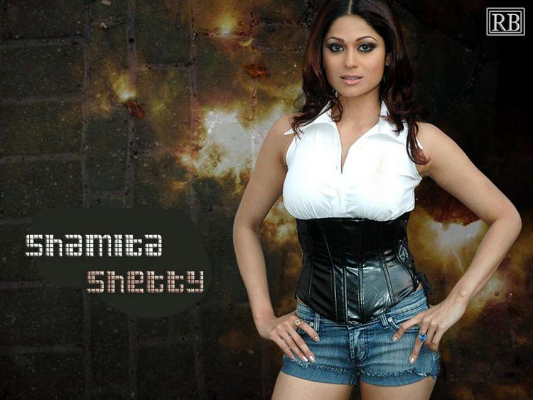Hot Actress Shamita Shetty Wallpaper