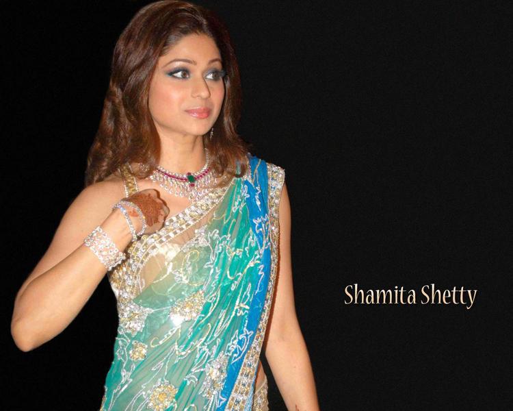 Shamita Shetty Looking Very Gorgeous