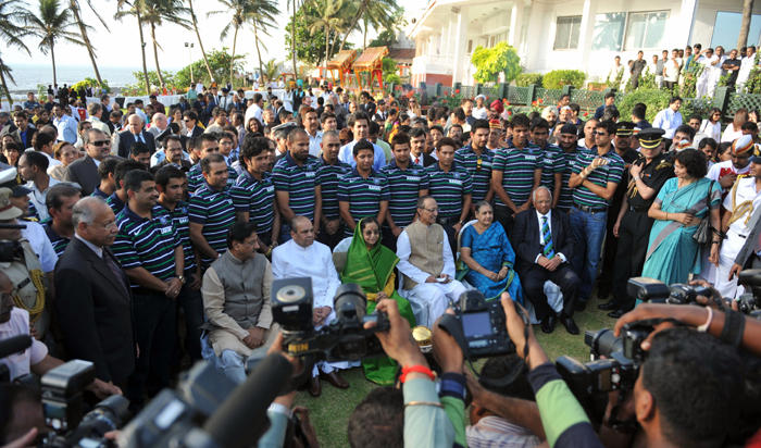 World Cup Maharashtra CM Prithviraj India Criket Team and President Pratibha Patil Still