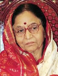 Pratibha Patil Simple Face Look