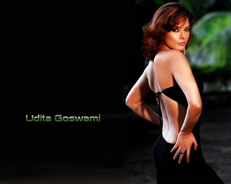 Udita Goswami hot in black bikini