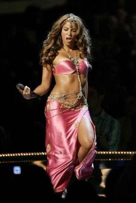 Shakira Pink Dress Hot Song Still