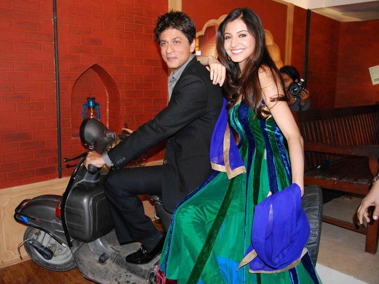 Anushka Sharma and Shahrukh Khan Latest Wallpaper
