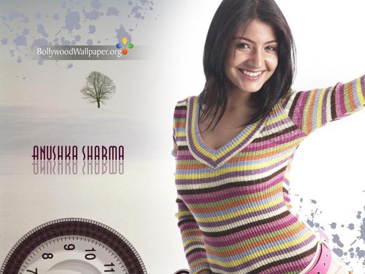 Anushka Sharma Latest Cute Sweety Wallpaper