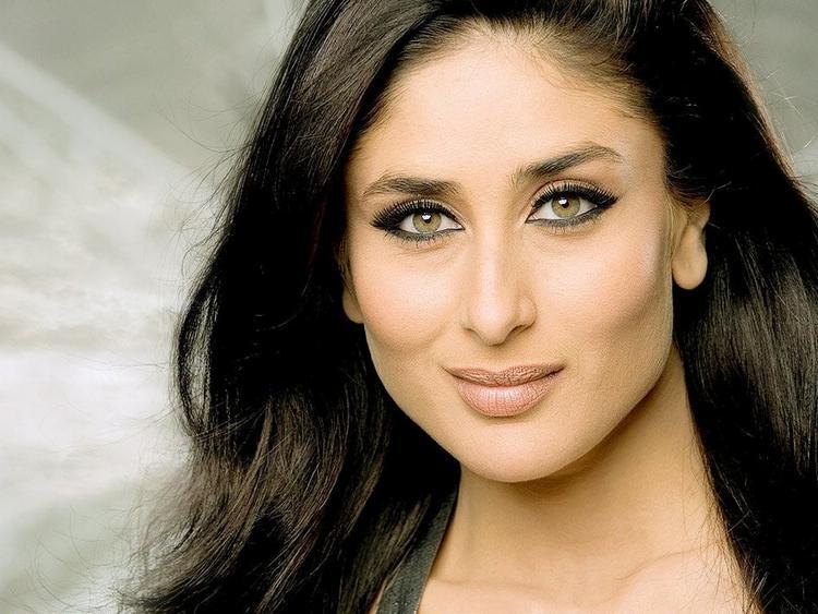 Kareena Kapoor Sexy Face Look Wallapper