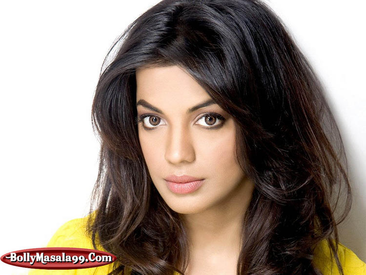 Mugdha Godse Beautiful Eyes Look