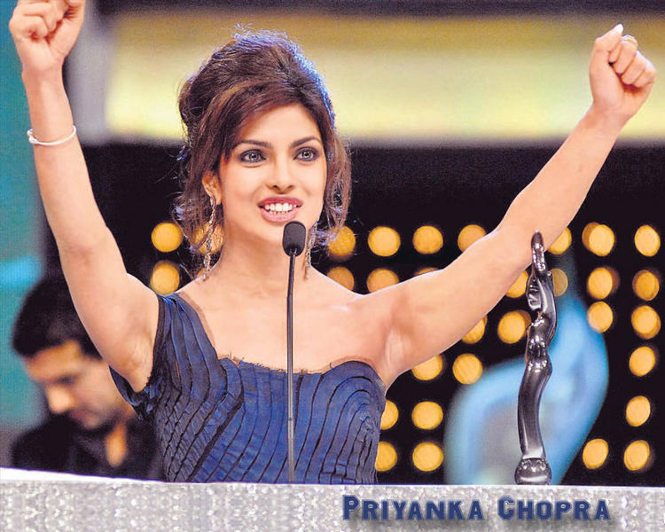 Sizzling Priyanka Chopra Wallpaper
