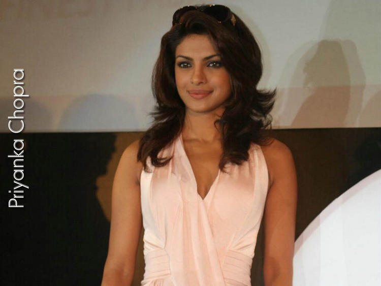 Priyanka Chopra Hair Style Latest Wallpaper