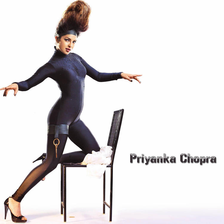 Priyanka Chopra Latest Hot Wallpaper